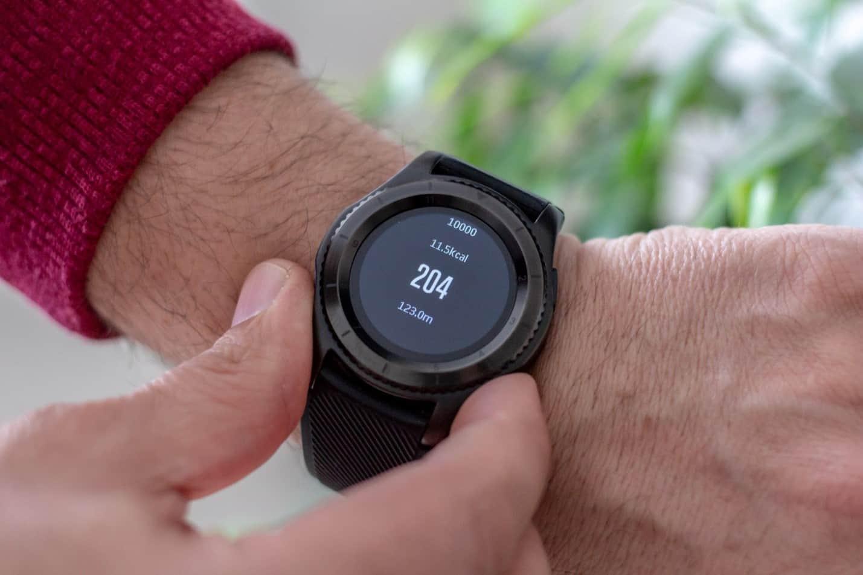 Как пользоваться умными часами безопасно