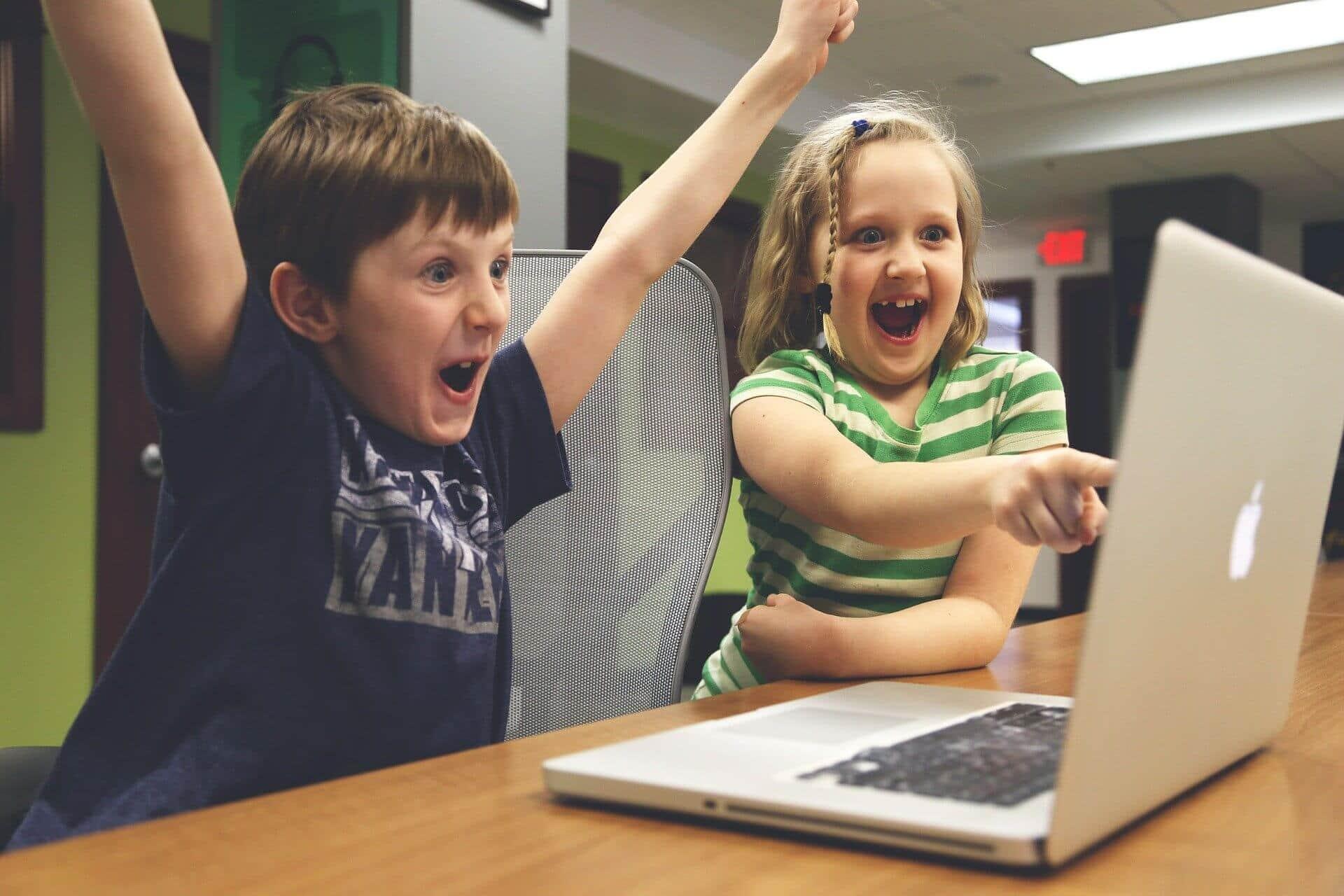 Риски, связанные с публикацией детских фотографий в соцсетях